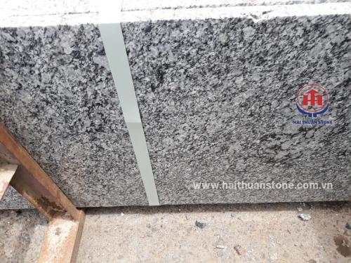 Đá Granite trắng mắt rồng