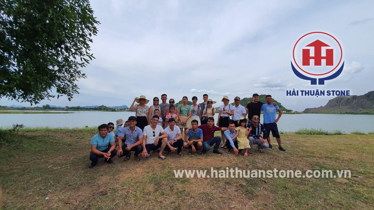 HAI THUAN STONE JSC went to the pagoda at the beginning of the year 1